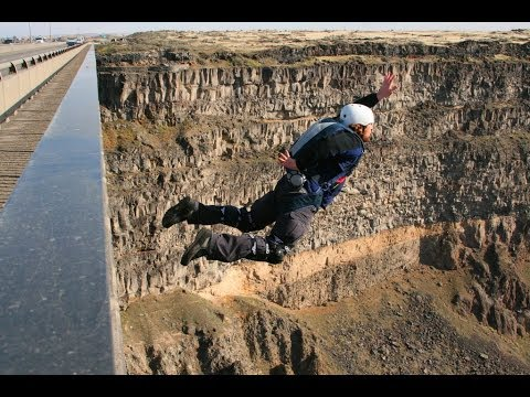 BASE Jumping in Twin Falls Idaho, Perrine Bridge
