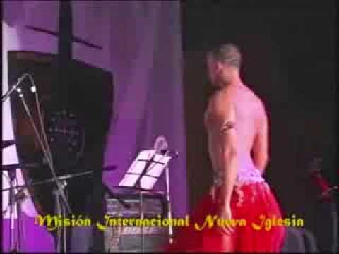 UN DEMONIO GAY  DANZA EN IGLESIA CRISTIANA # 2 ..Que DIOS Lo REPRENDA.