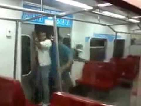 Thumbnail of video How To get into the Metro - The Venezuelan way