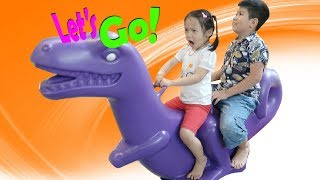 BÉ CHƠI NHÀ BÓNG 😍 Indoor playground fun for kids ♥ Dâu Tây Channel