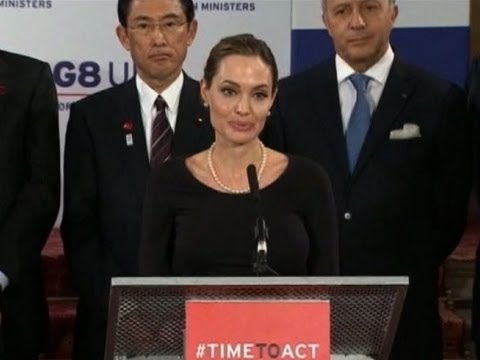 Angelina Jolie's surgery puts breast cancer under spotlight