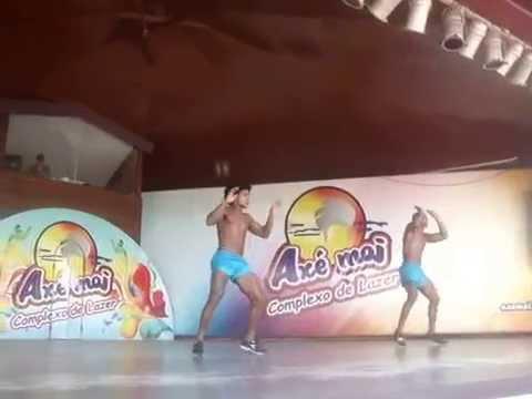 Cia Axe Moi - Ui catchorro manda pras cadelas - nov 2014
