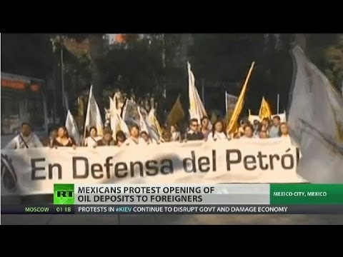 Mexico opens up oil rights to foreign companies