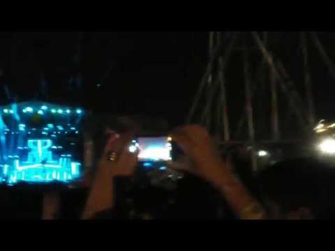 Calvin Harris - Under Control And C.U.B.A. Live At Lollapalooza 2015