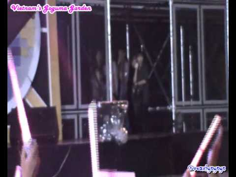 [Fancam] 121129 SNSD TaeYoen ôm cột bên trong cánh gà - Kpop Festival 2012 in HaNoi, VietNam