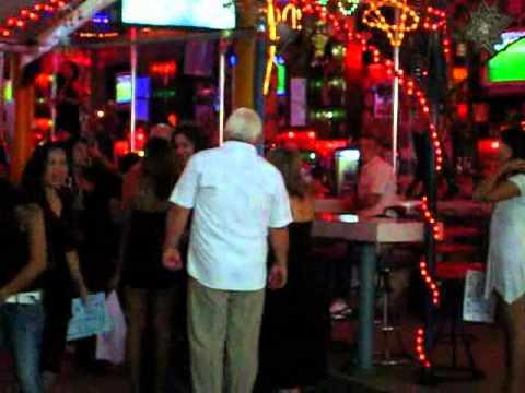 Bar a pute thailande - Salon de massage avec finition ...