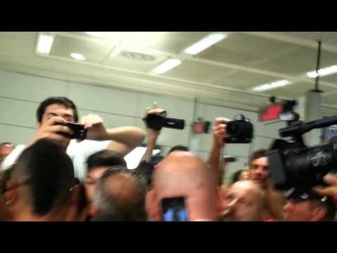 Ashley Cole esce dal terminal di Fiumicino 07.07.14