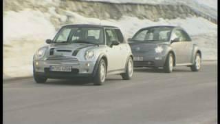 Mini Cooper S vs. VW Beetle 2.3 V5: Sportliche Kleinwagen im Vergleich videos