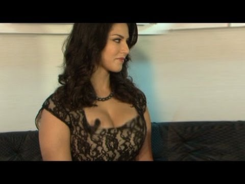 Sunny Leone & Ekta Kapoor CAUGHT UNCENSORED on Camera on Comedy Nights with Kapil  16th March 2014