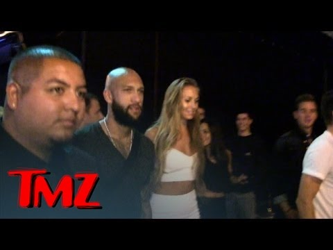 Tim Howard -- HOT CLUB, HOT CHICKS