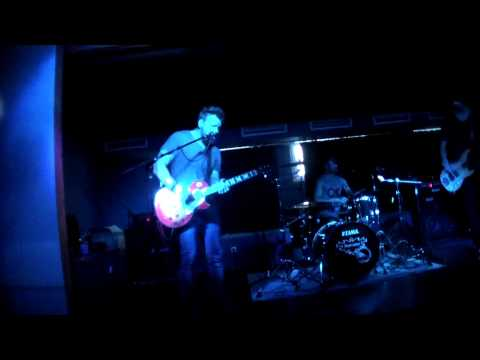 CHIKASAW - Anyone Outthere // Live At FKK 13.07.2013