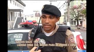 Homem usa brilho labial para simular arma em assalto