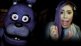 """""""THIS GAME IS SO CREEPY"""" - 5 Nights at Freddy's"""