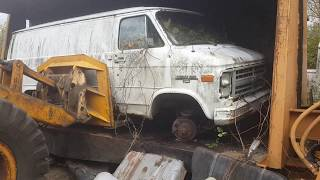 Car crusher crushing cars 38
