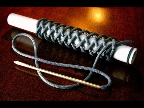 A Long 4 Bight Paracord Turk's Head Knot