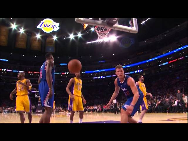 Blake Griffin Fast Break Slam, Fans Go Nuts, Kupchak Face