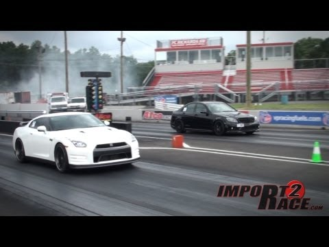 GT-R vs Benz C63 AMG drag race