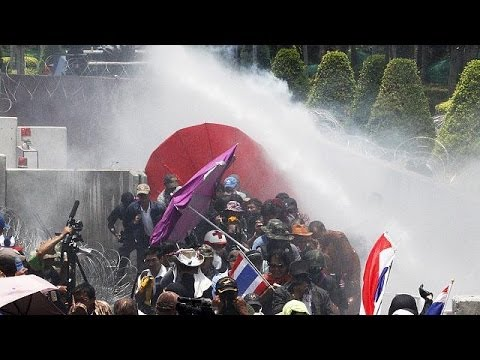 Thailand protests over interim government gather force