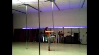 Pole Dance Sensuel Katy Perry DARK HORSE