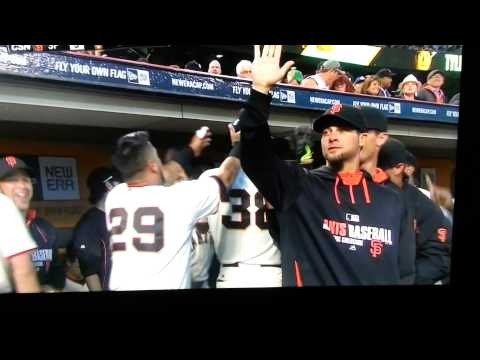 Michael Morse love in the Giants dugout