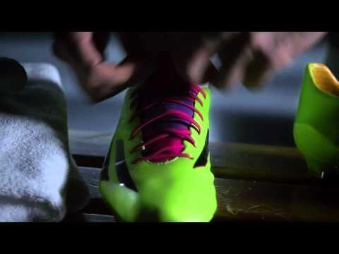 Ο Karim Benzema ανακαλύπτει τα νέα F50 Special Edition!