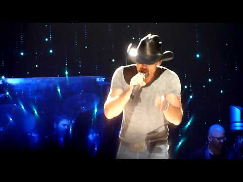 Tim McGraw - Better Than I Used To Be - Allphones Arena Sydney - 27th ...