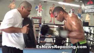 thomas dulorme working out with robert garcia EsNews boxing