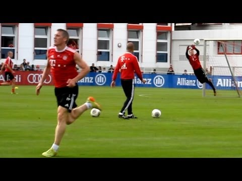 Special Compliment of Pep Guardiola to Philipp Lahm after awesome volley Goal Flanks Goals FC Bayern