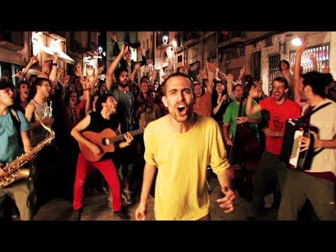 Thumbnail of video Bongo Botrako - Todos los días sale el sol (Videoclip oficial)