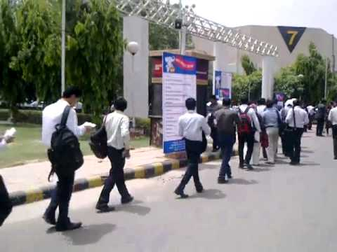 TimesJobs.com Delhi Jumbo Job Fair 2012 unveiled - YouTube