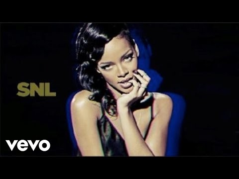 Rihanna - Diamonds (Live on SNL)