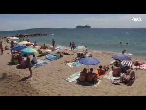 فيديو… الجدل حول البوركيني في أوروبا يزيد من مبيعاته