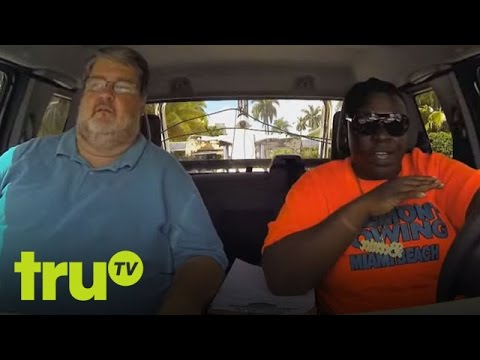 Hình ảnh trong video South Beach Tow - A Little Hookup With A Lot