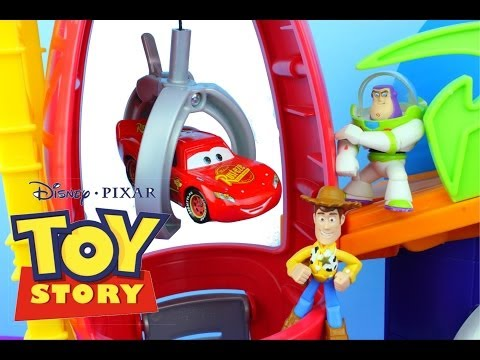 Disney Pixar Cars Lightning McQueen & Mater go Toy Story Pizza Planet Woody & Buzz Lightyear