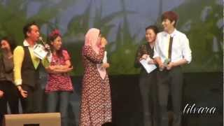 [FANCAM] Lee Minho says Hi to 7 lucky fans at Jkt 1/2 Eng-sub view on youtube.com tube online.