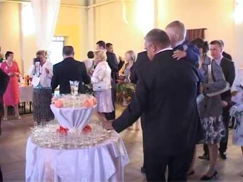 Przywitanie młodej pary i toast