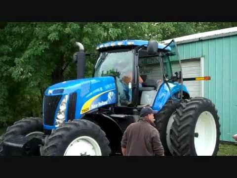 2009 NH T8020 Tractor with 129 hours - 9/25/10 farm auction Oronoco, MN