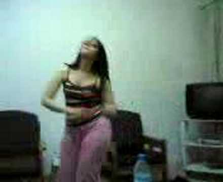 SIXY ARAB GIRL FROM EGYPT DANCING