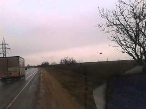 image vidéo Des hélicoptères russes se rendent à Sébastopol