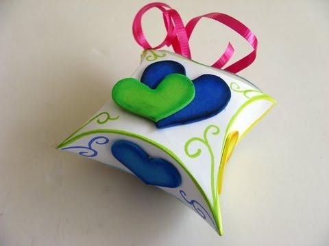 Manualidad - Cajita para regalo . Gift box .