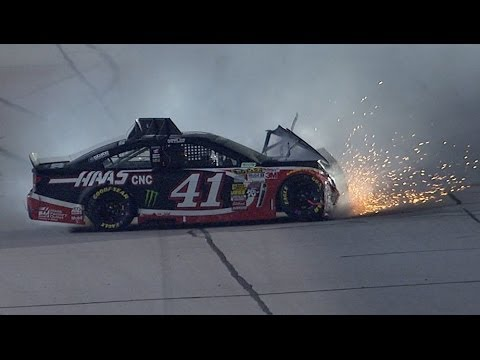 Kurt Busch Hard Crash @ 2014 Bojangles Southern 500