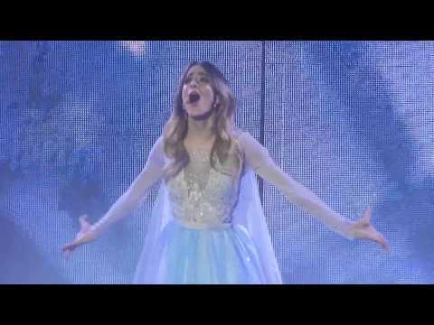 Libre Soy - Martina Stoessel - Violetta Live Paris - 18 Février - HQ