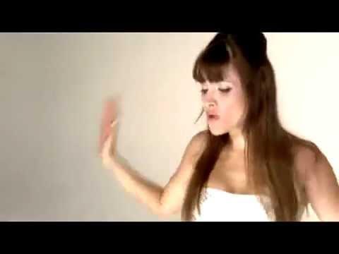 Nicole  Hoy Video Oficial -2YaZgbGk-UA