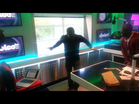Kevin Hart - does the Azonto on Choice Breakfast