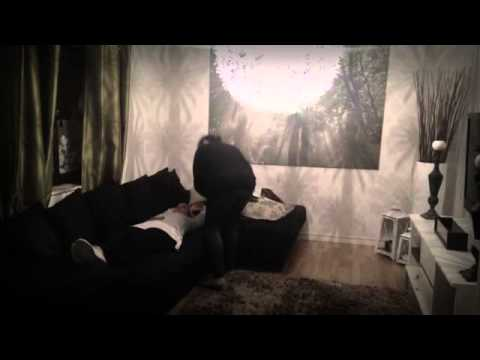 Criss Angel cuts woman in half (Parody)