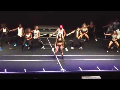 Anitta Blá Blá Blá @ (musica nova)Dvd