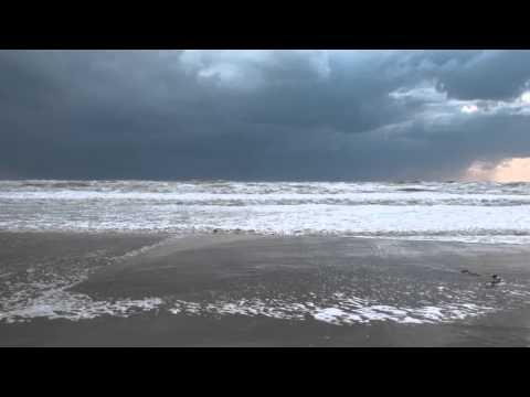 Анапа. Пляж Джемете в районе Пионерского проспекта после бури 23/24 сентября 2014 г.