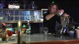 Recetas De Bebidas Hechas Con Ron : Preparación De Una