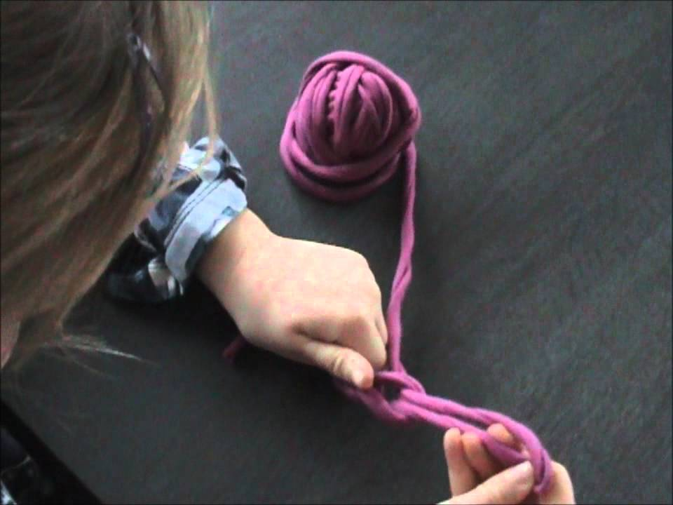 Crocheting Your Fingers : Vingerhaak een ketting / crochet a chain with your fingers - YouTube