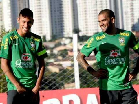 NEYMAR E DANI ALVES DANÇANDO O PASSINHO DO ROMANO